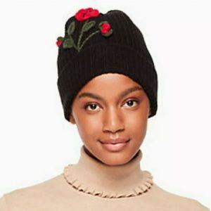 KATE SPADE NEW YORK WOMEN'S CROCHET POPPY KNIT HAT